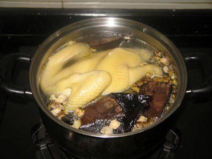 霍山铁皮石斛花旗参灵芝用来煲鸡汤既美味又营养