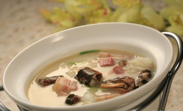 霍山铁皮石斛和鳝鱼煲汤即补气又补血还能提高记忆力