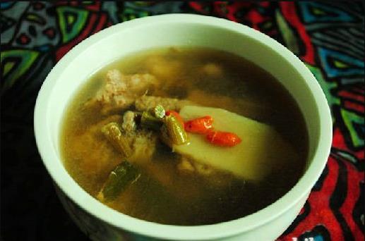 霍山铁皮石斛淮山枸杞瘦肉汤的功效和做法